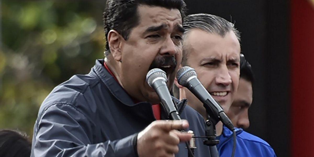 Maduro quiere cambiar la constitución y oposición llama a rebelión contra golpe