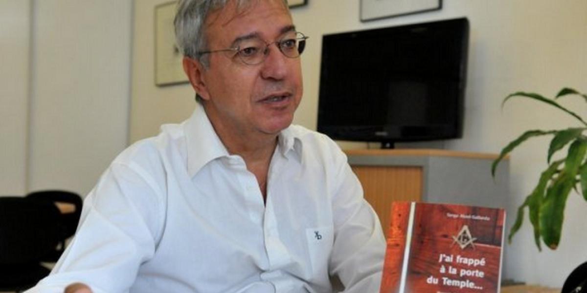 """Ex maestro logiano: """"Estoy convencido que Bachelet es masona"""""""