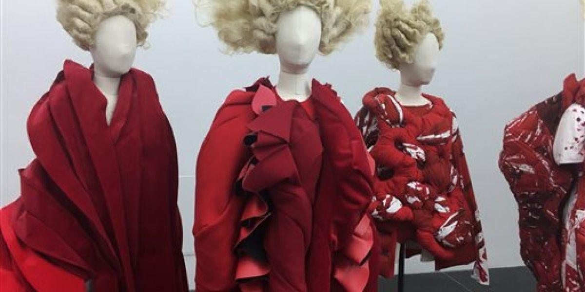 Met honra a la visionaria de la moda Rei Kawakubo