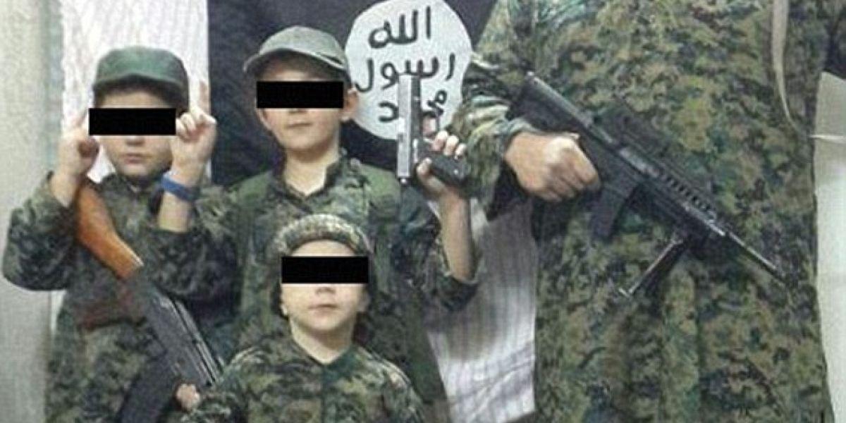 Abuela australiana devastada por el video yihadista del entrenamiento de su nieto de 6 años