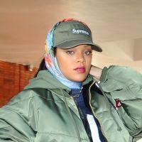 Rihanna sorprende a un fanático en Barbados y posa en una gasolinera