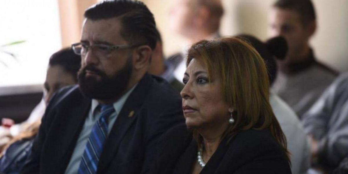 Anabella de León es ligada a proceso penal en caso