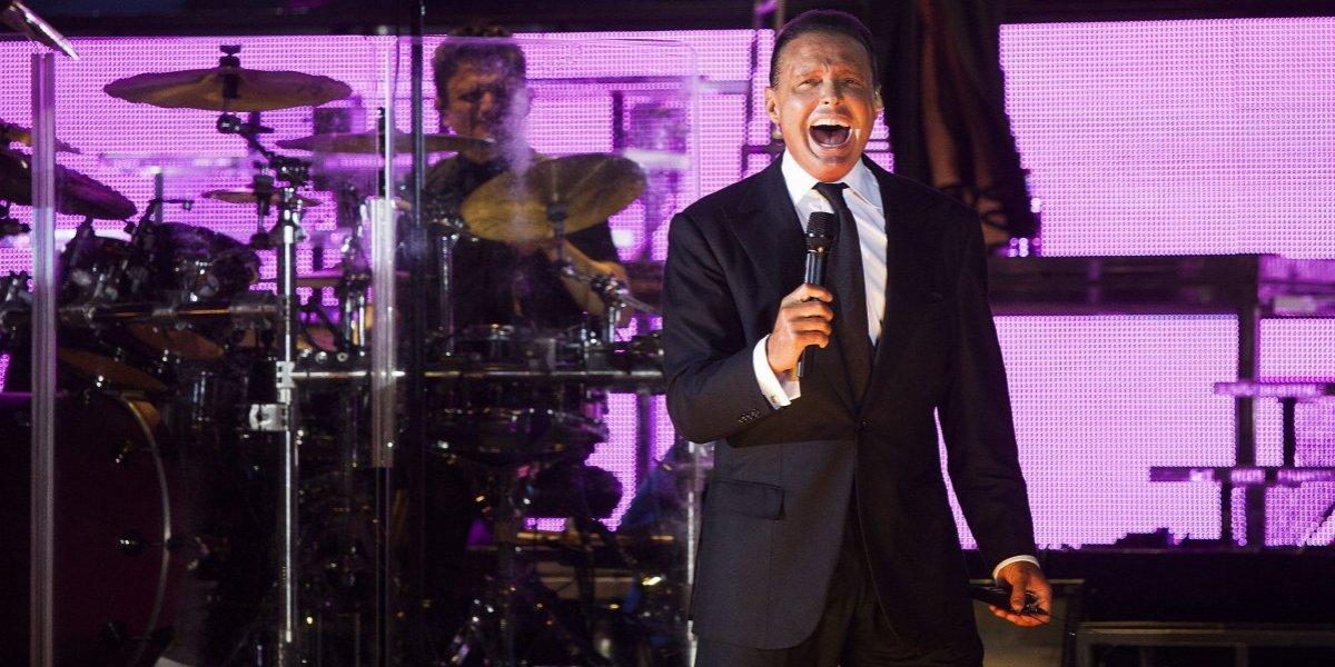 """""""Mis lágrimas no cesan de brotar"""": Luis Miguel no pudo contener el llanto en pleno concierto"""