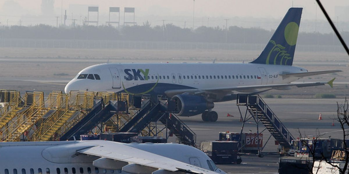 Casos de pasajeros insubordinados en aviones aumentaron más del doble en Chile durante 2016