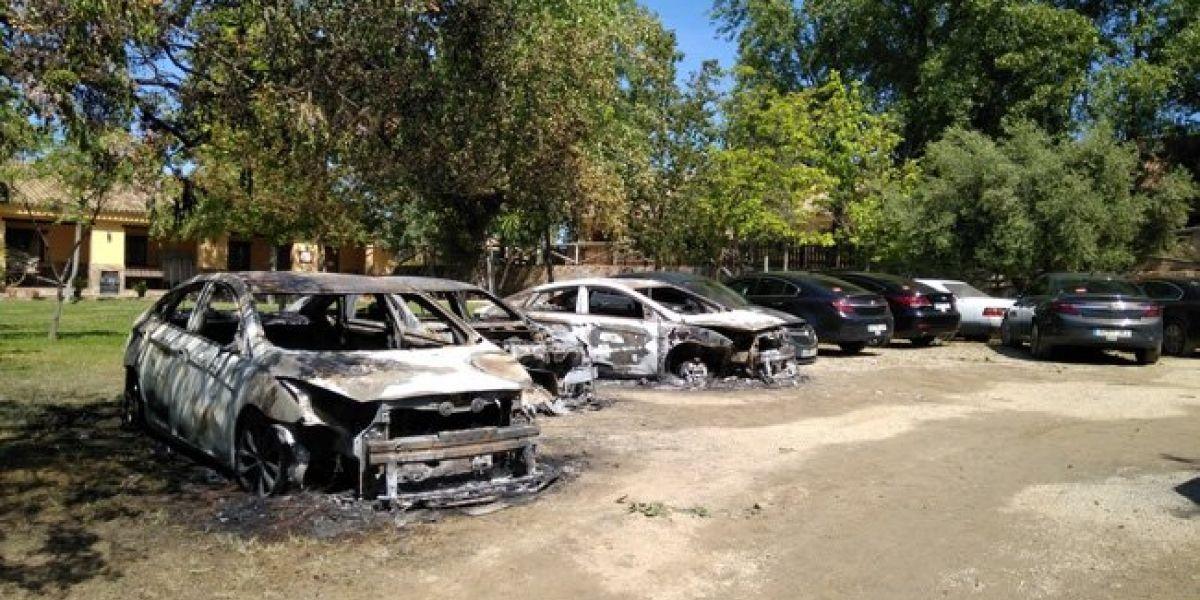 Queman 9 automóviles de Cabify, sospechan de taxistas