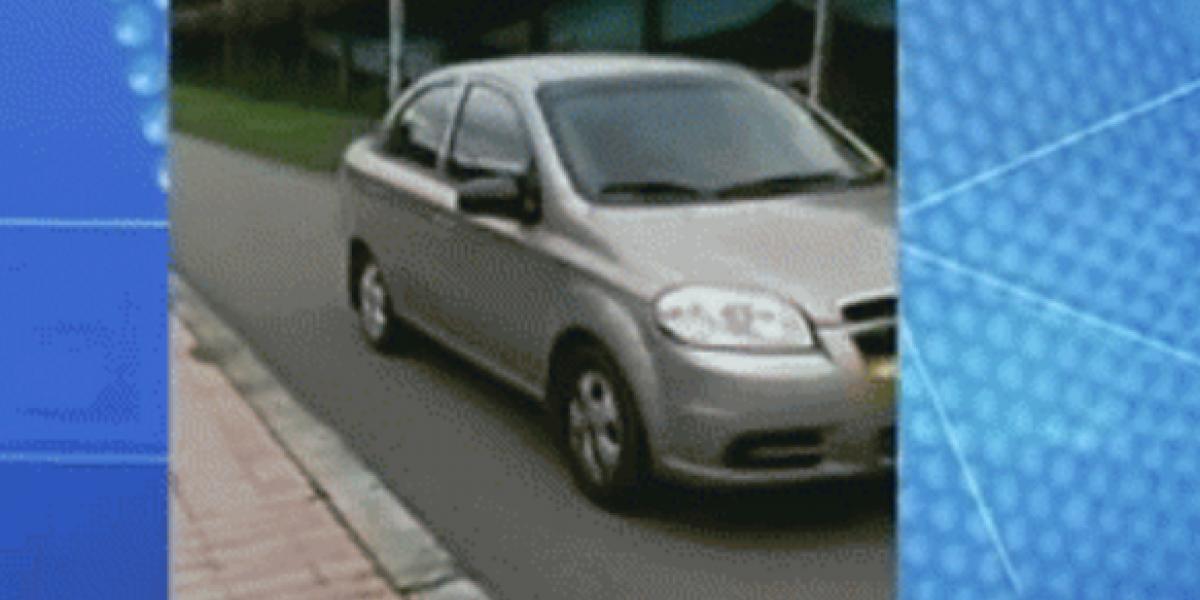 Buscan a conductor de vehículo particular que usó una ciclorruta al norte de Bogotá como si fuera una avenida
