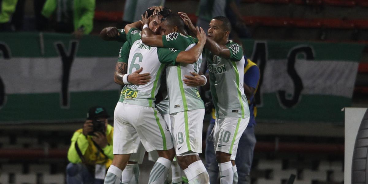 El campeón no se rinde, Nacional goleó a Estudiantes y sigue vivo en Libertadores