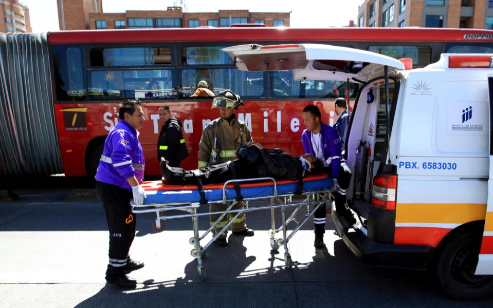 Mujer que conducía en estado de embriaguez causó la muerte de un hombre y tres heridos