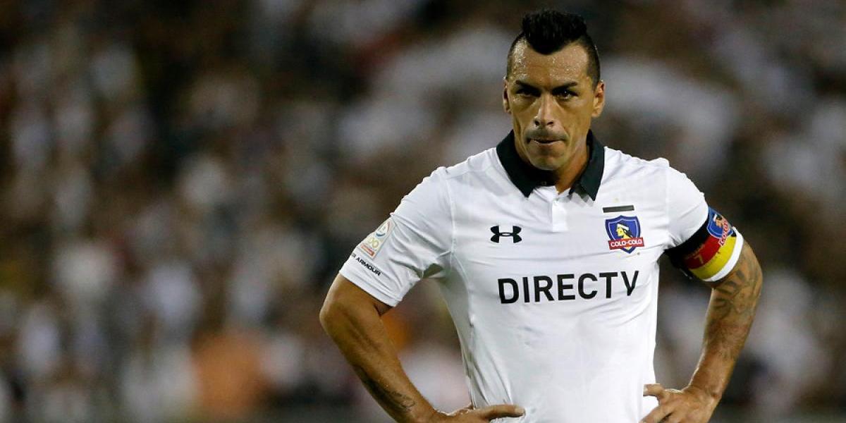 Esteban Paredes se ausentó del entrenamiento de Colo Colo y encendió las alarmas