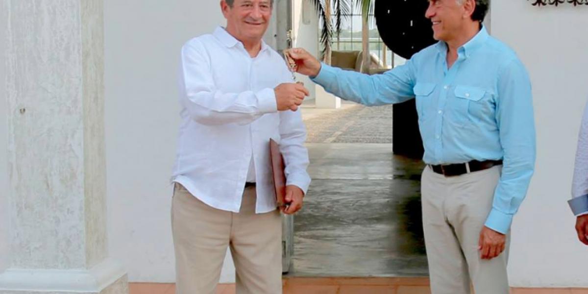 Yunes entrega casa de Duarte en Tlacotalpan para cultura