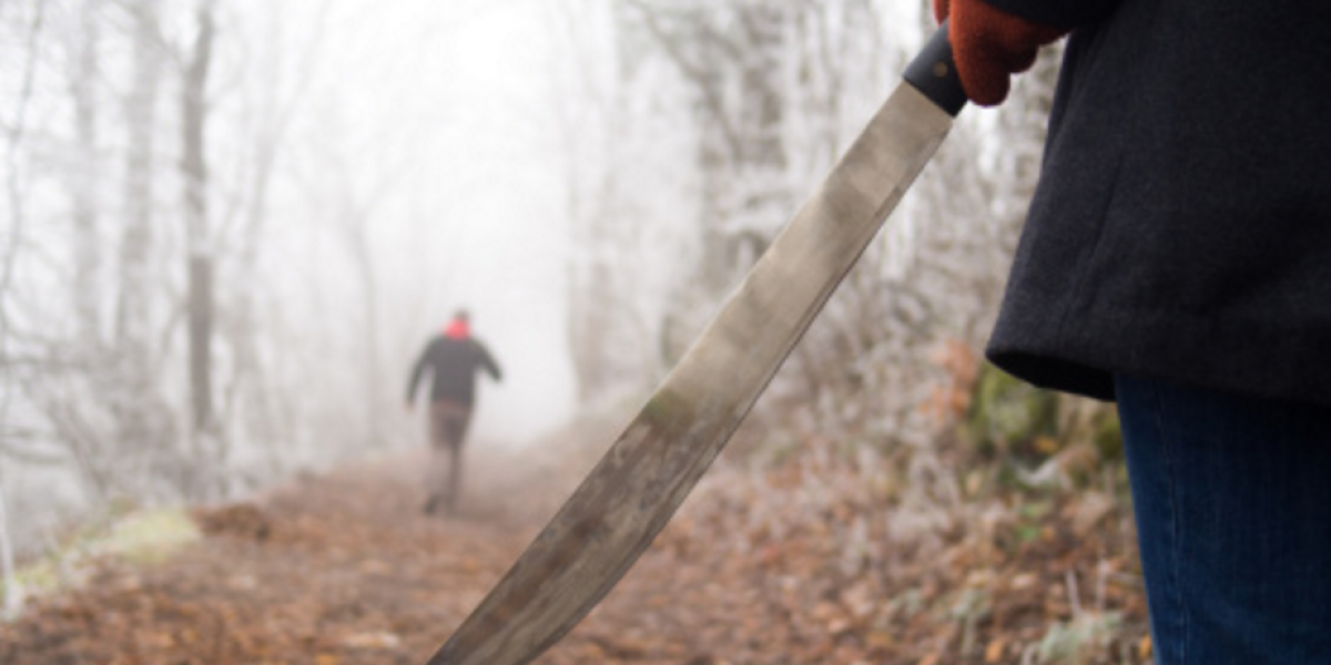 Violan a joven de 15 años luego de asesinar a machetazos a su novio