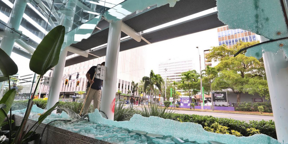 Banco Popular enmienda su demanda contra manifestantes