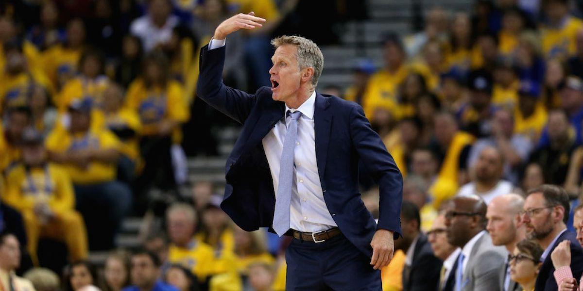 Warriors seguirán su camino en playoffs sin el entrenador Steve Kerr