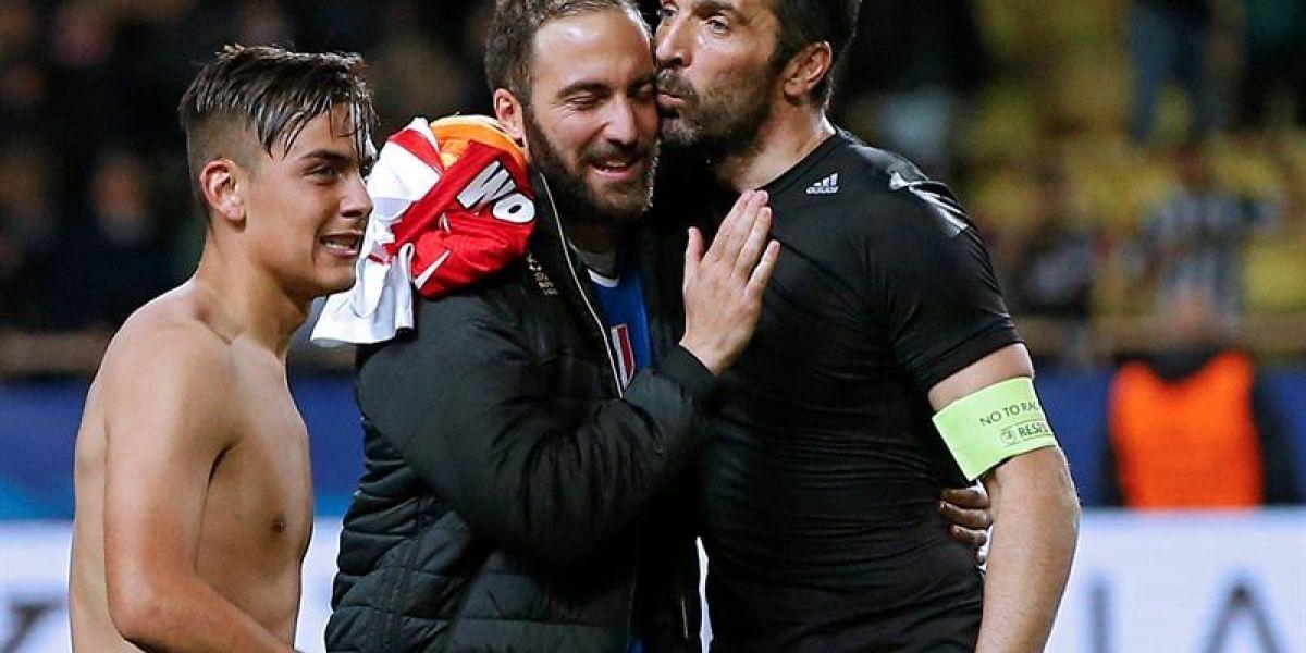 """La leyenda Buffon dispara: """"Solo el periodismo tiene dudas de Higuaín"""""""