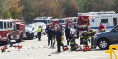 Conductor deja tres personas fallecidas tras atropellar a multitud en Massachusetts