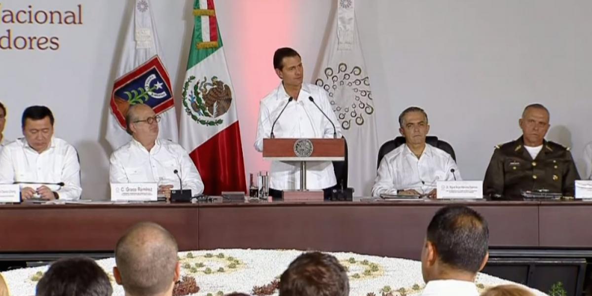 Peña Nieto llama a gobernadores a reivindicar a las instituciones democráticas