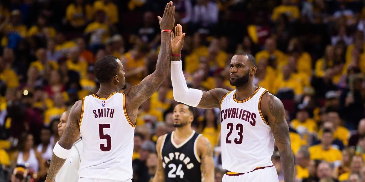 LeBron James supera a Kareem Abdul-Jabbar en puntos y conduce otra victoria de Cavs