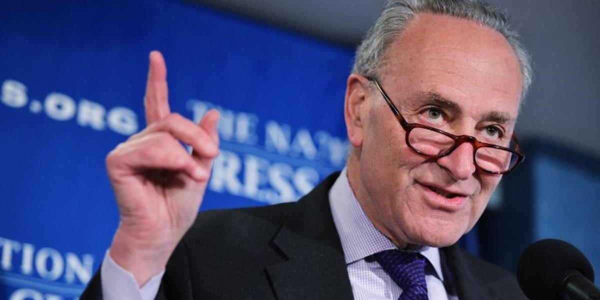 Escucha la playlist anti Trump que subió un senador demócrata de EEUU a Spotify