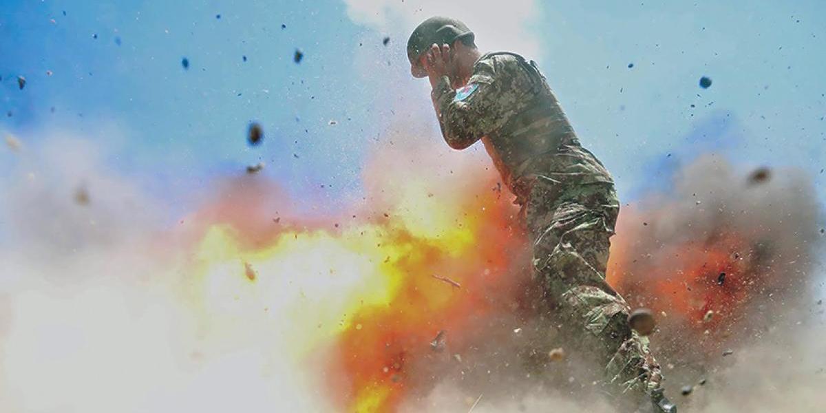 FOTOS: Mujer soldado de EU captó el momento exacto de su muerte