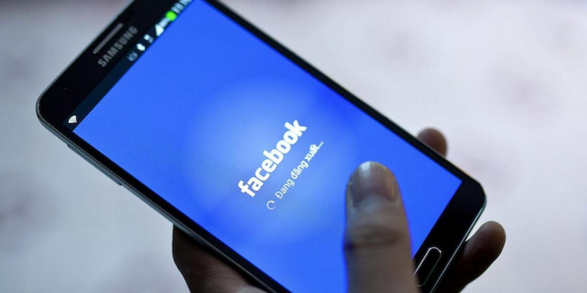 Facebook gana millones en publicidad