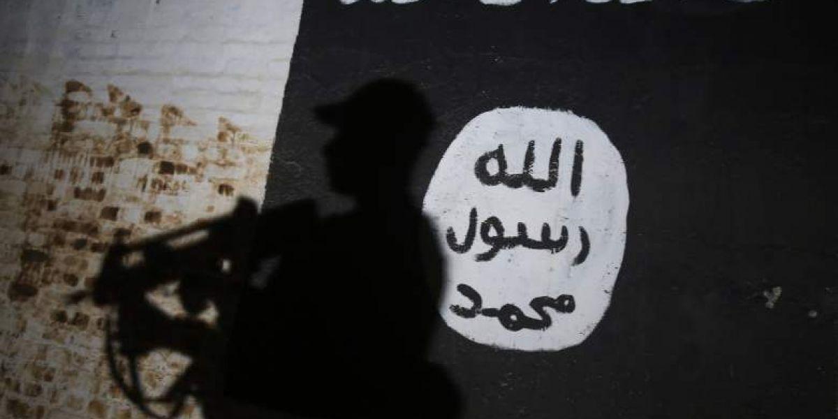 Traductora del FBI se casa con terrorista de ISIS al que debía investigar