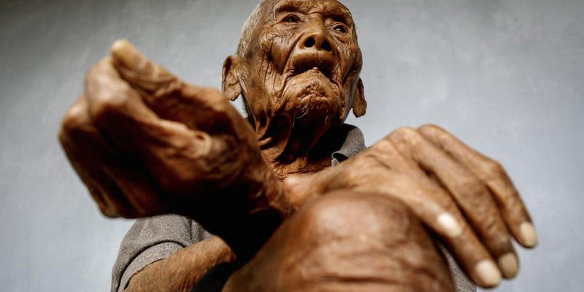 """FOTOS. El último adiós al """"hombre más viejo del mundo"""""""