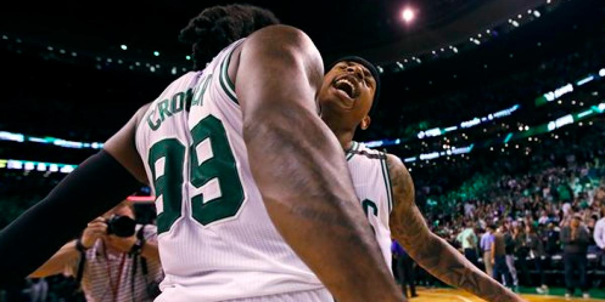 Imparable Isaiah Thomas en la buena racha de los Celtics
