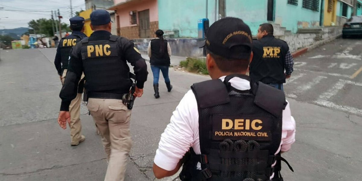Tribunal de Mixco condena a 4 detectives por ebriedad