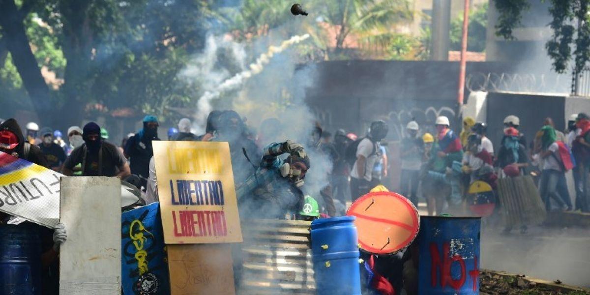 """Oposición venezolana llama a """"Gran Marcha"""" contra Constituyente de Maduro y protestas suman tres muertos"""