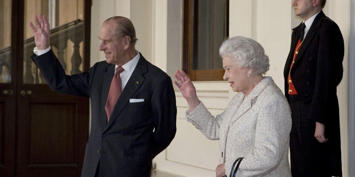 """Medio británico especula sobre """"inusual"""" reunión en el Palacio de Buckingham"""