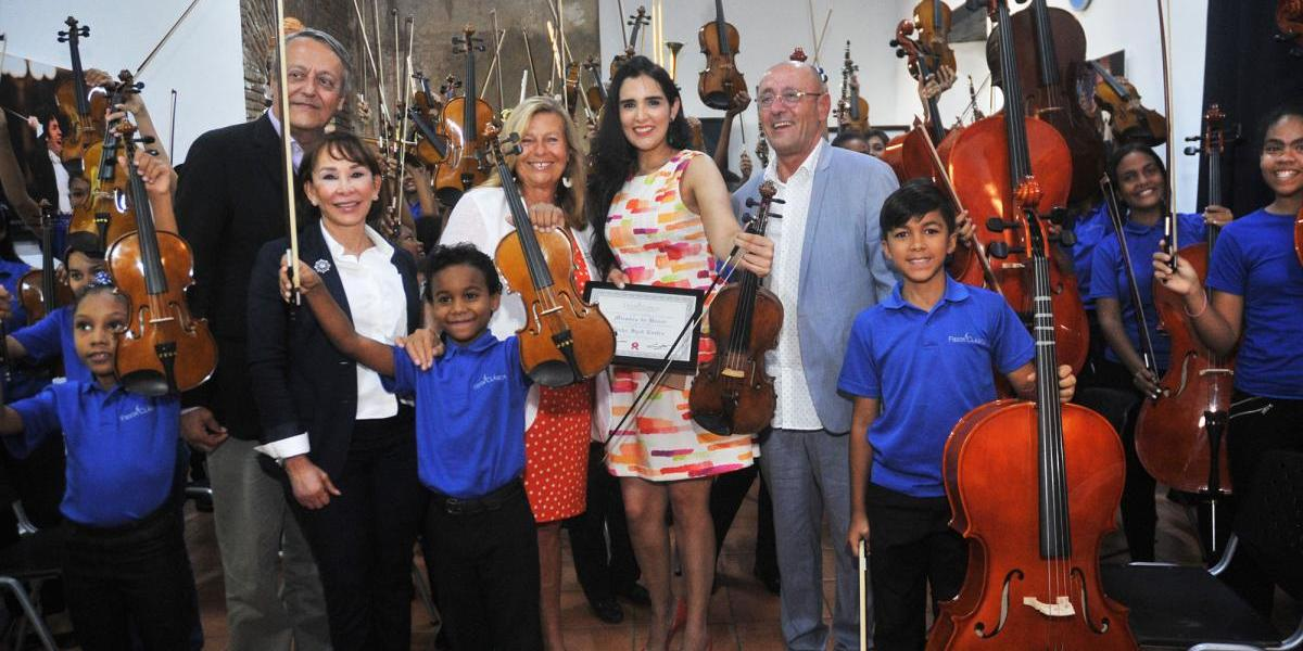 Fundación Fiesta Clásica  recibe visita de la artista Aisha Syed