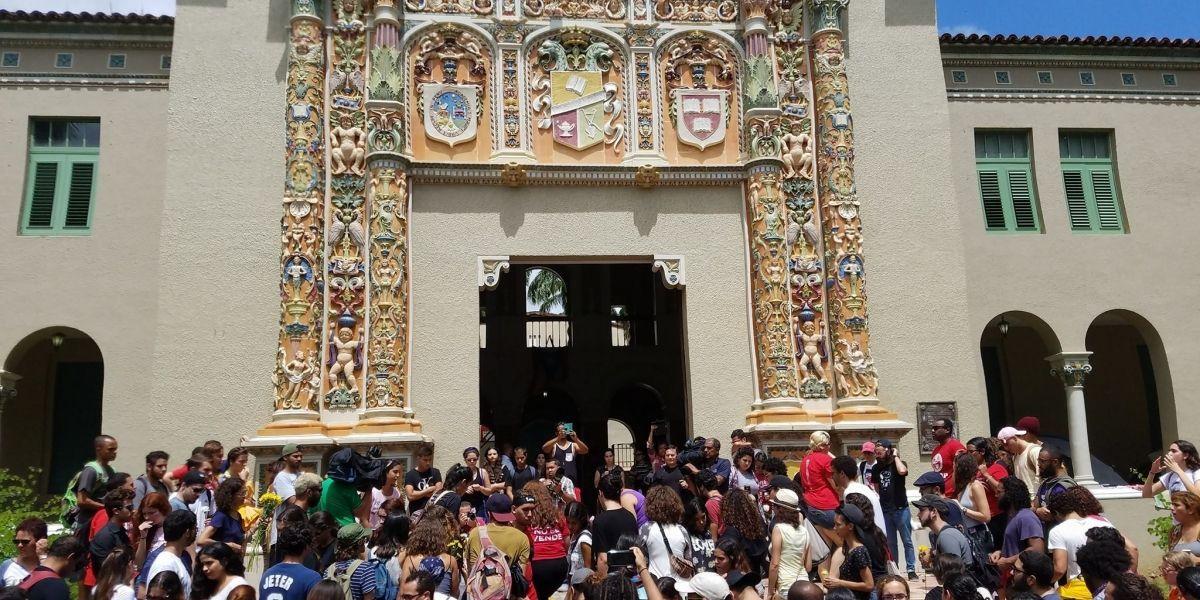 Movimiento Estudiantil pide reunión con Rosselló