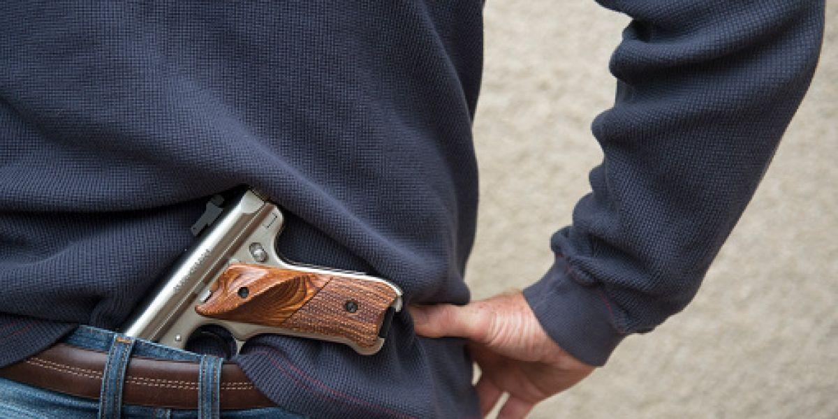 Georgia aprueba ley que permite portar armas ocultas en campus universitarios