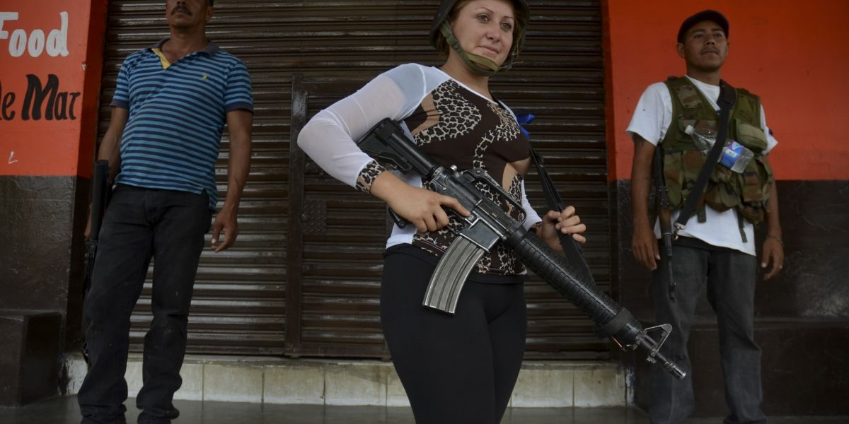 Liberan a 16 autodefensas en Michoacán