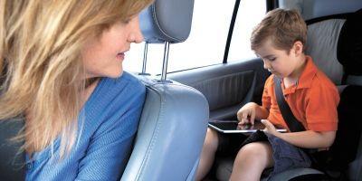 Escolha a cadeirinha certa para transportar o seu filho com segurança no banco de trás