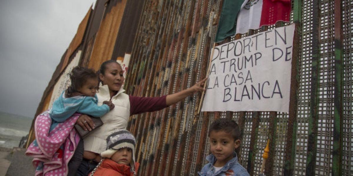 Al menos 7 mil padres mexicanos deportados han dejado a sus hijos en EU