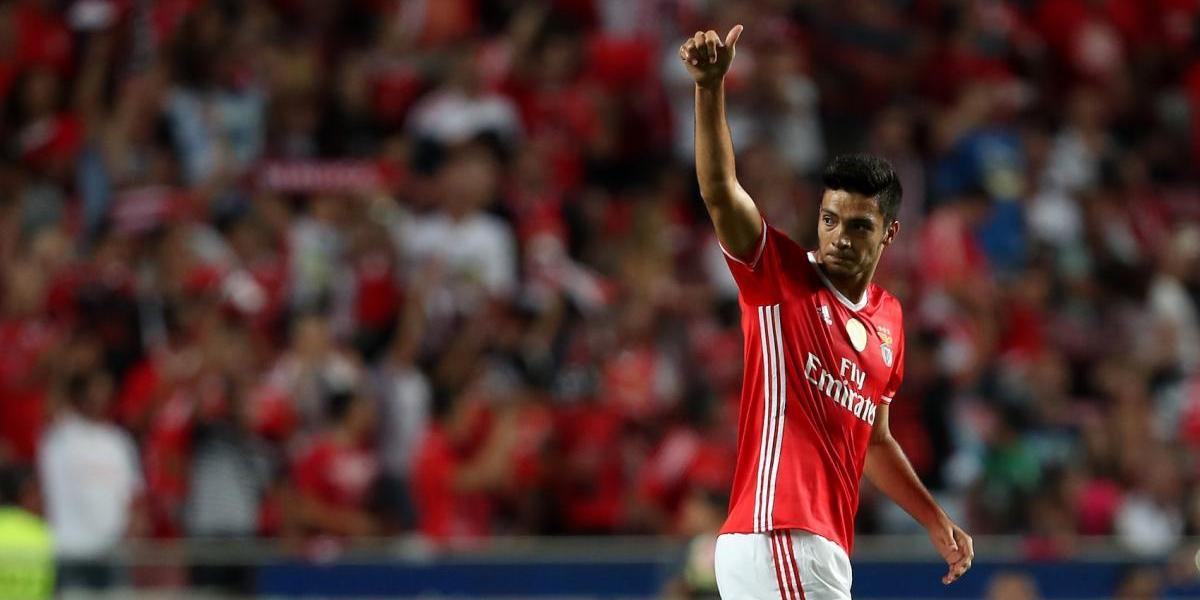 Raúl Jiménez, con futuro incierto en el Benfica