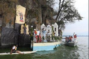 procesion-del-ninio-dios-de-amatitlan-foto-omar-solis-5-.jpg