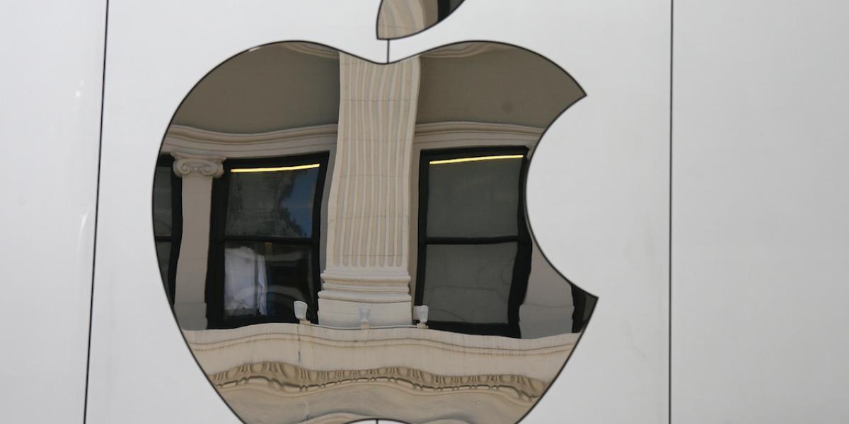 Apple se compromete a crear más empleos en EE.UU.