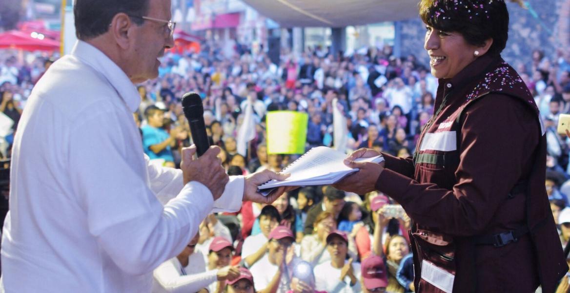 Padre Solalinde entrega propuesta sobre migrantes y respalda a Delfina