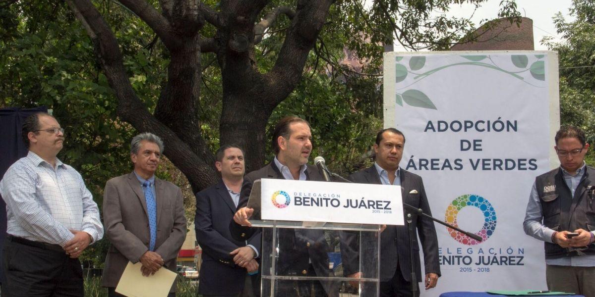 Benito Juárez rehabilita áreas verdes de sus 29 camellones