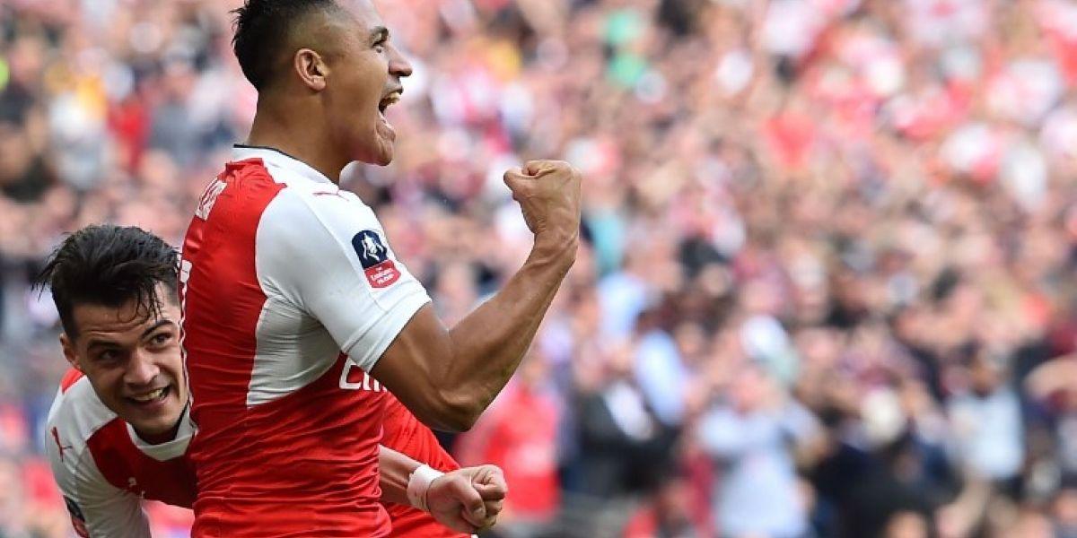 Alexis Sánchez pelea con Hazard por ser el mejor jugador de la temporada en Inglaterra