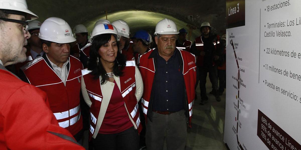 """Ministra pide a Piñera referirse al Transantiago con """"responsabilidad"""" y aclara que reglas de nueva licitación serán """"permanentes"""""""