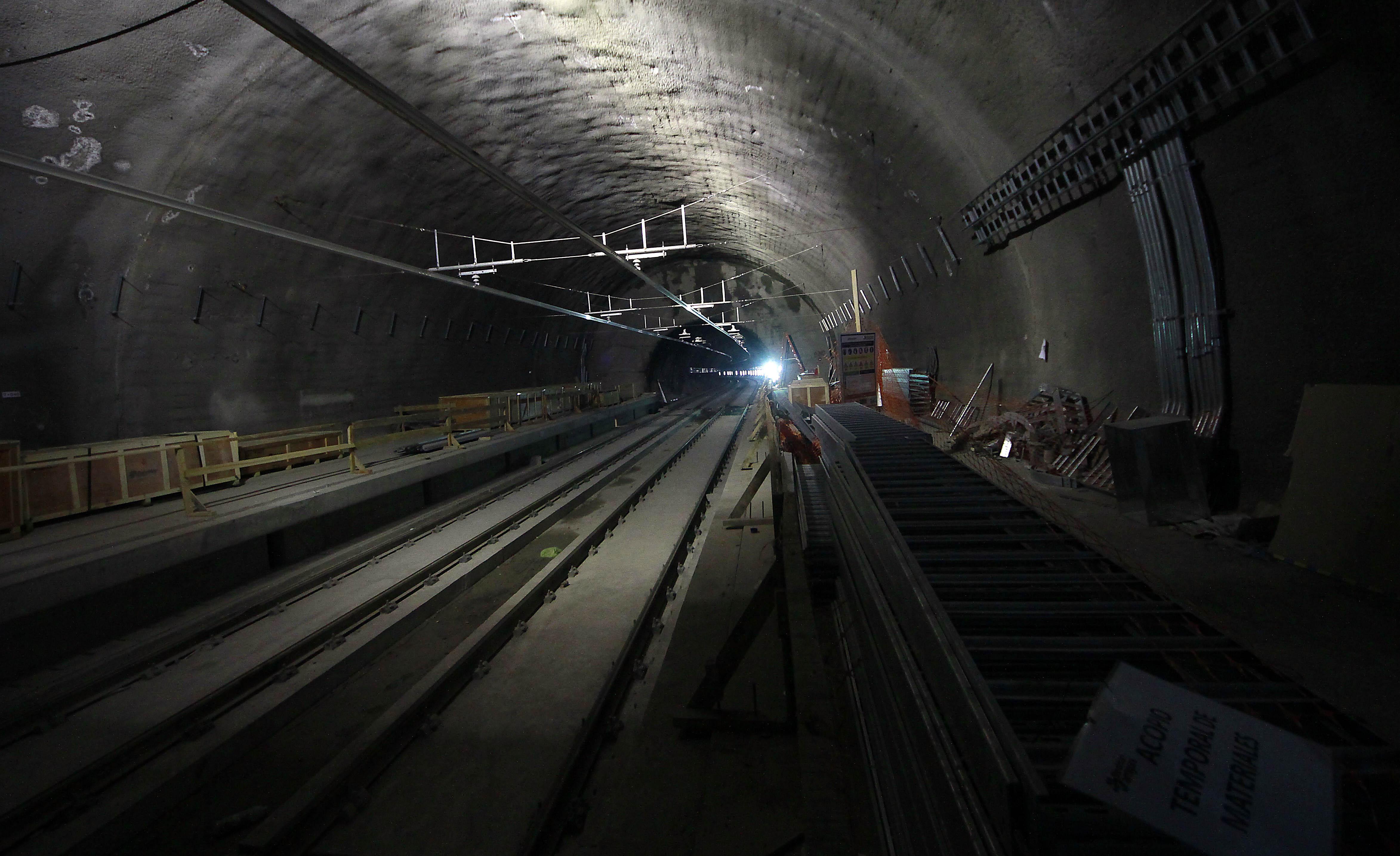 Metro de Caracas suspende servicio en 30 estaciones este miércoles