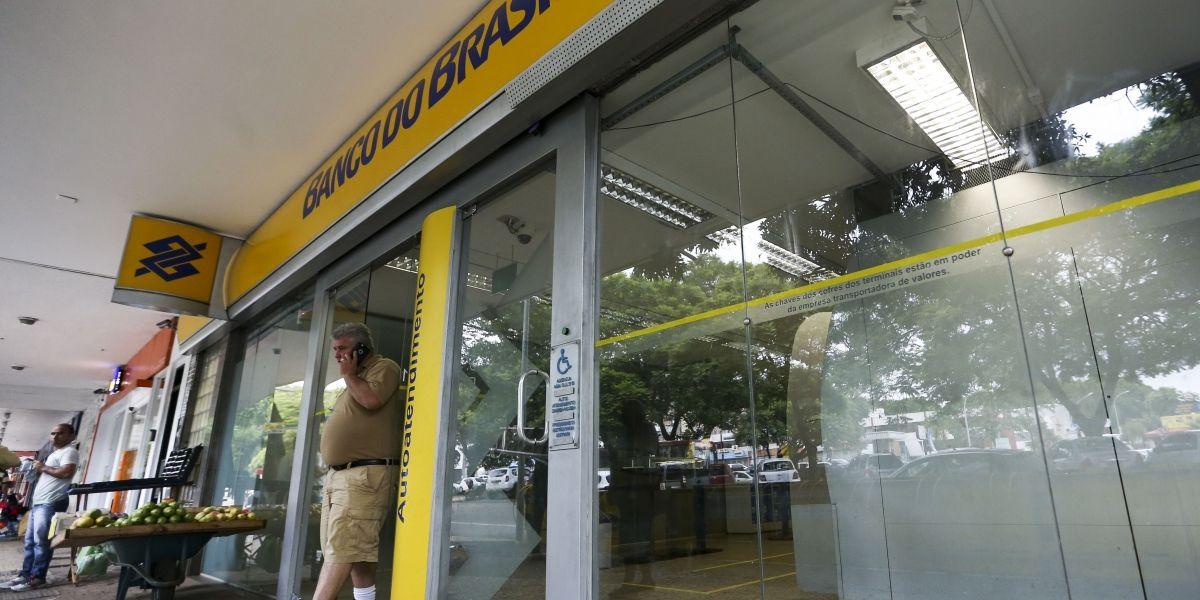 Agências bancárias reabrem até quinta para atendimento ao público