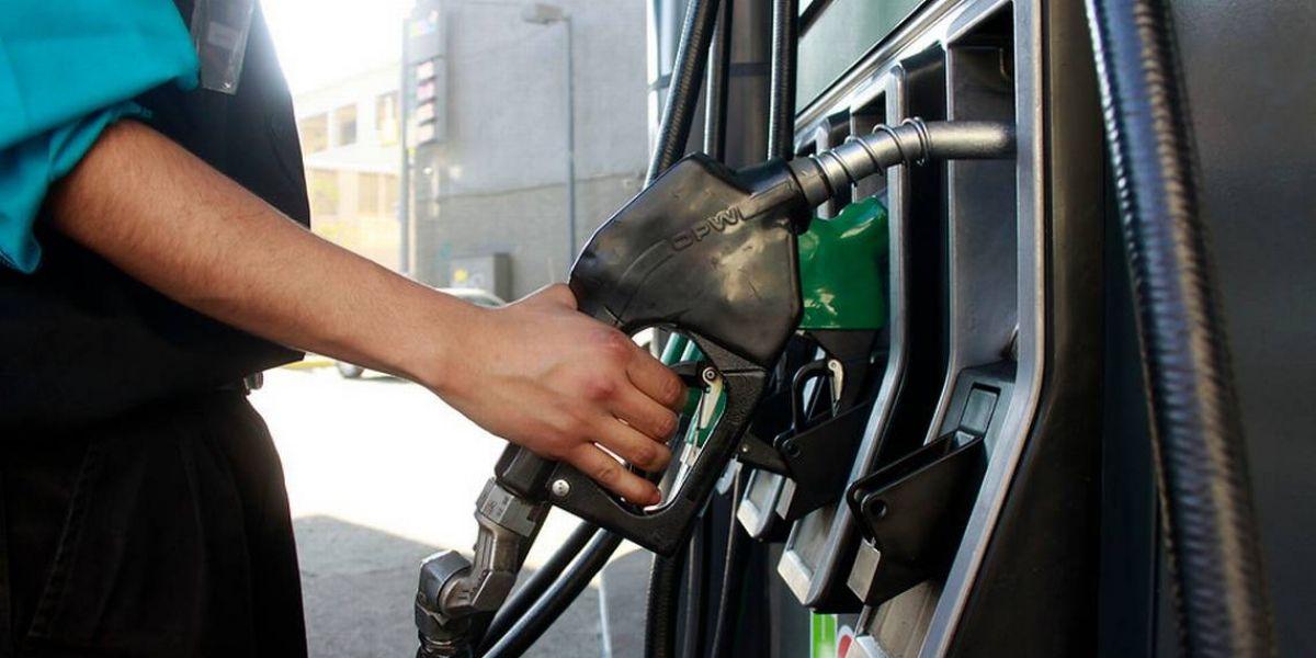 ¡Otra vez! Precio de las bencinas bajaría a partir del próximo jueves