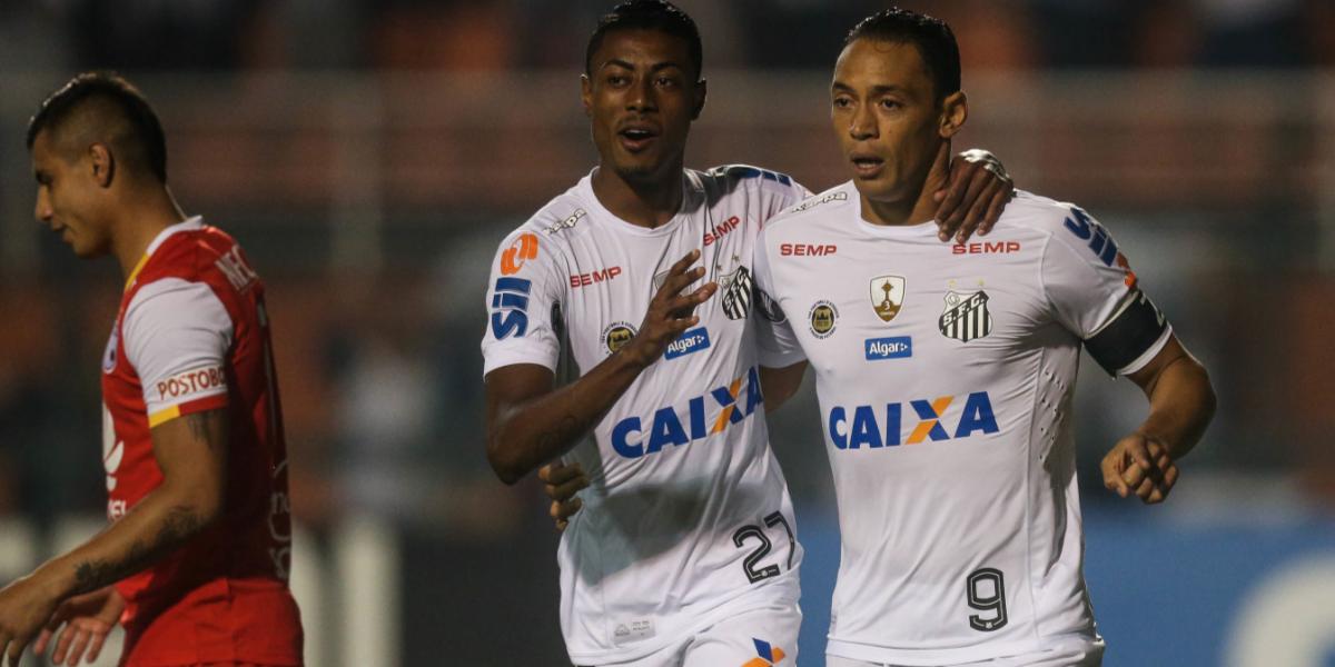 Santa Fe cambió, luchó, intentó, pero falló y cayó con Santos en Brasil