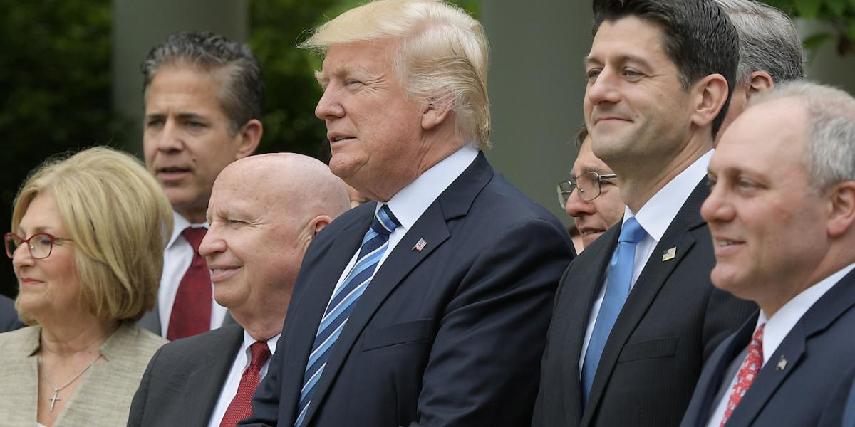 "Republicanos dan mortal golpe al ""Obamacare"""