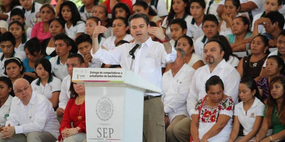SEP combatirá deserción en bachillerato con 8 millones de becas