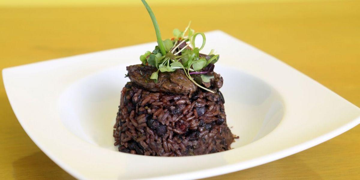 Abre Ropa Vieja Grill en Condado